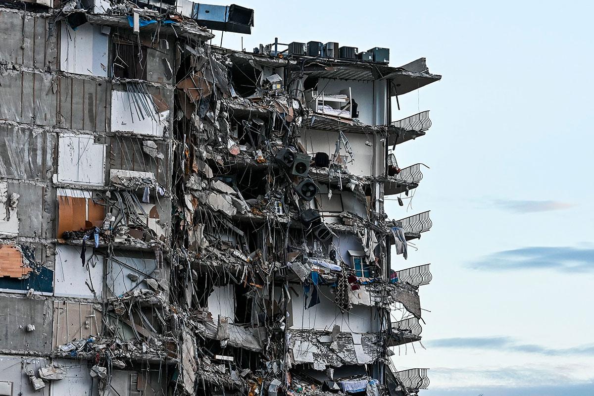 Las impactantes imágenes del derrumbe parcial del edificio Champlain Towers en Miami Beach