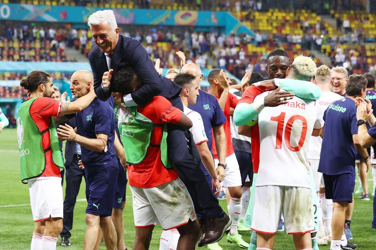 La Selección de Suiza celebró con euforia la clasificación.