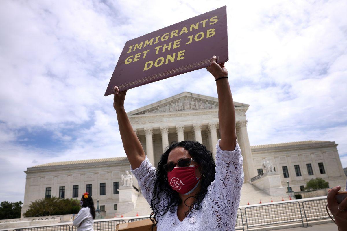 4 escenarios económicos para Estados Unidos al otorgar ciudadanía a inmigrantes indocumentados