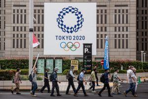 Con brazaletes rastrearán a atletas en Tokio para que no salgan del cerco sanitario