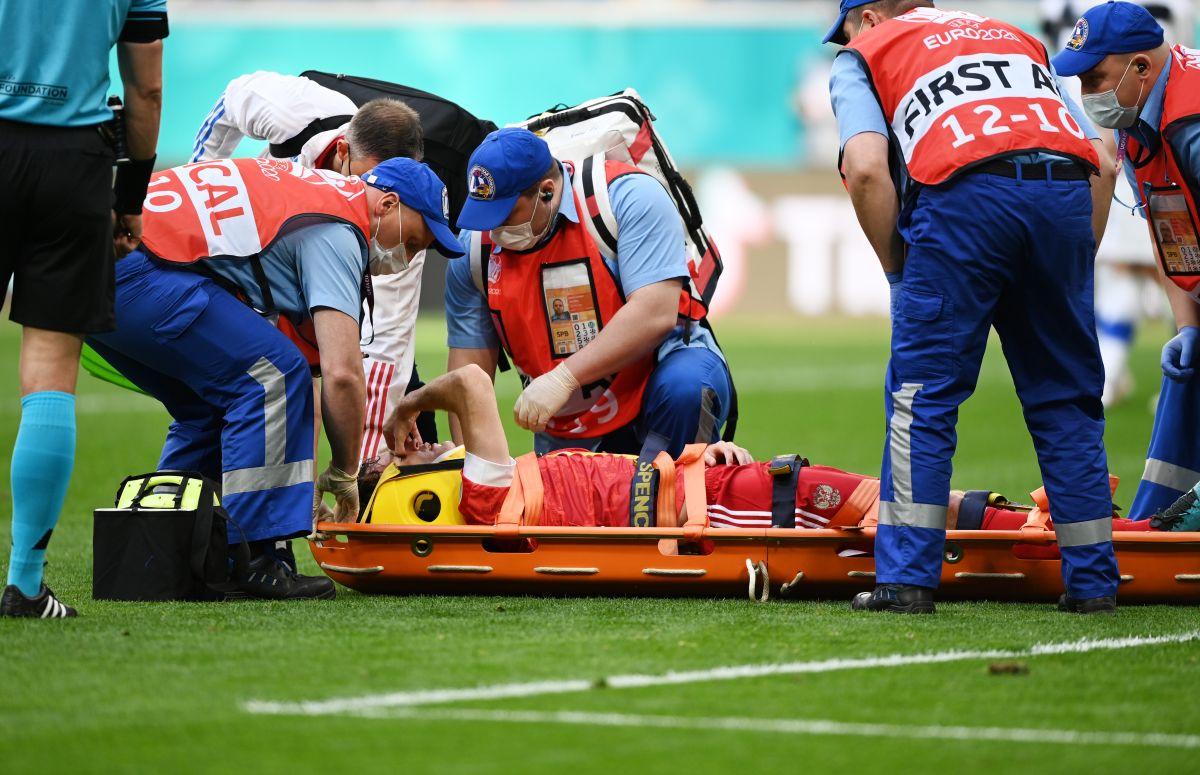 Vuelve la tensión en la EURO: futbolista ruso tuvo que abandonar el campo de juego tras una fuerte caída