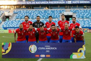 """Polémica: Chile tapó el logo de Nike por """"incumplimiento de pagos"""" en partido contra Bolivia"""