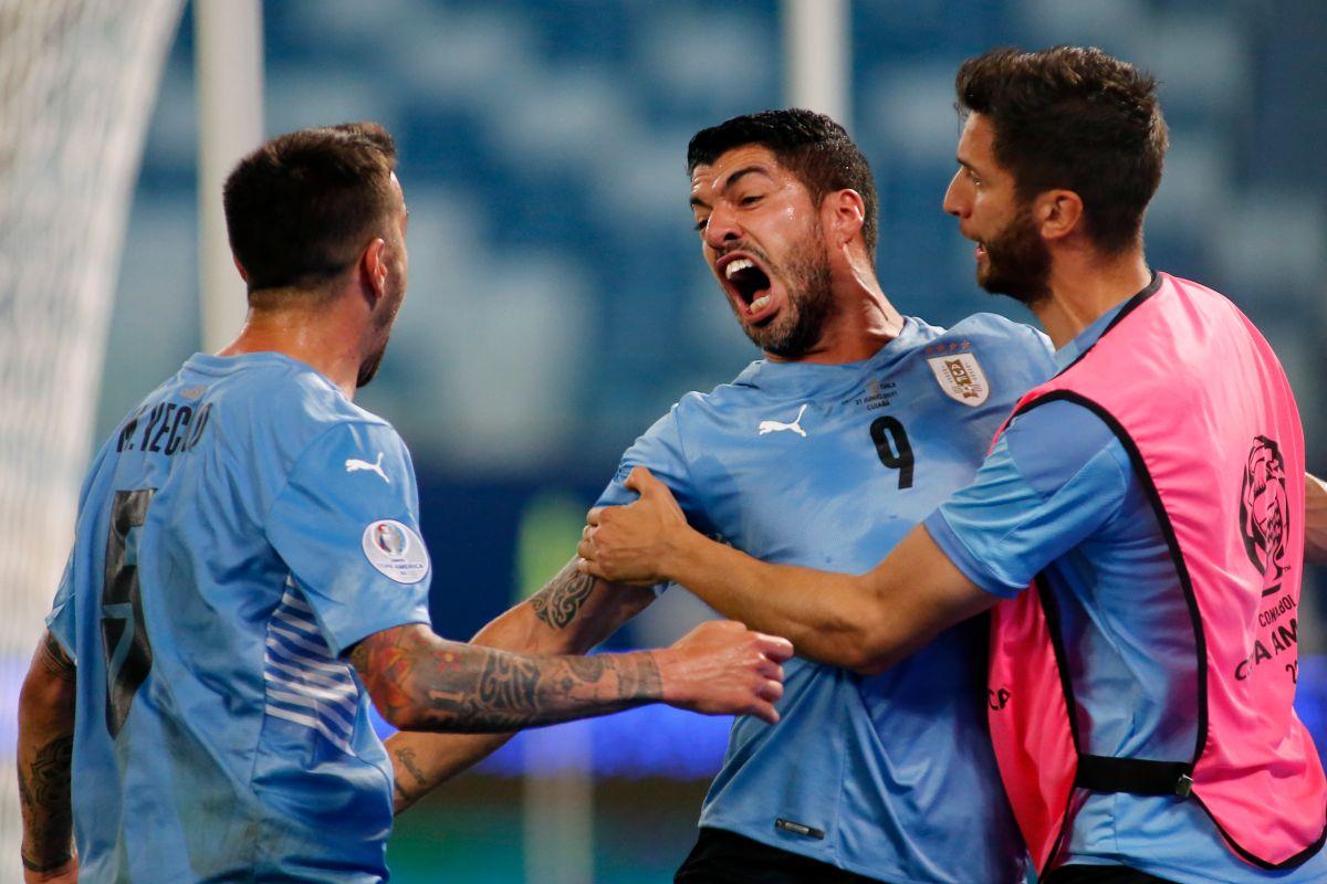 Uruguay dejó sin victoria a Chile gracias a un autogol de Arturo Vidal