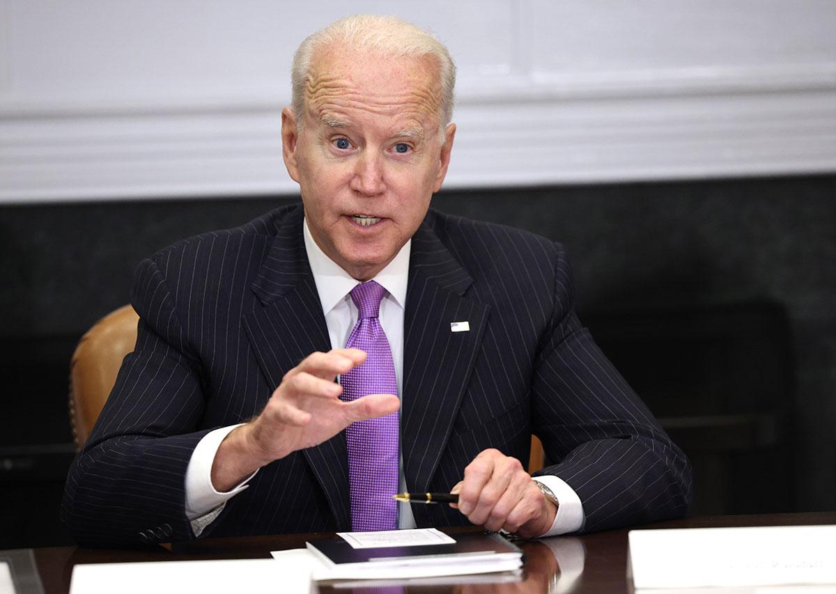 Joe Biden permitirá reasignar fondos del rescate de la pandemia a medidas de control de armas ilegales en el país