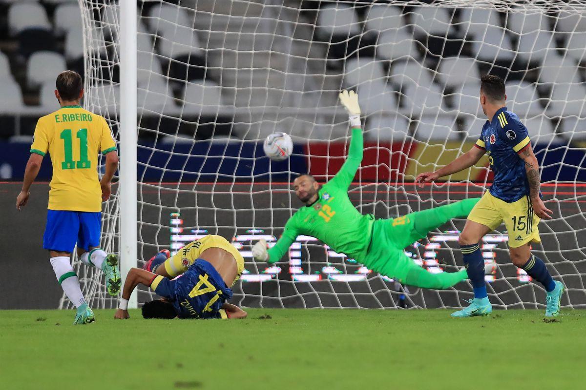 El gol del año: Colombiano Luis Díaz se lanzó espectacular chilena ante Brasil