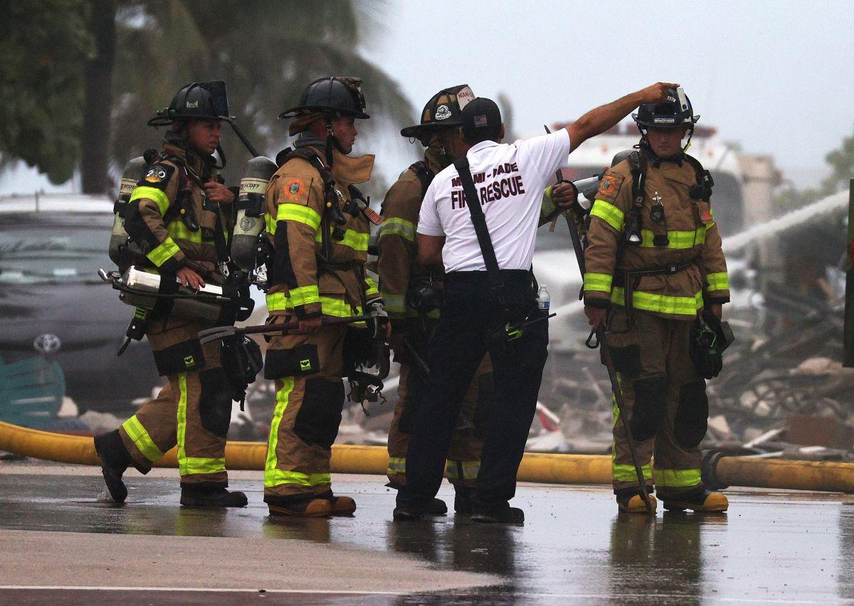 Jugadores de Miami Heat apoyan con víveres a afectados por derrumbe de edificio en Surfside