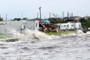 Claudette amenaza con fortalecerse e inundar nuevas zonas del sureste de EE.UU.
