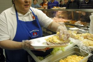 Industria de restaurantes en Estados Unidos: en mayo 2021 las renuncias a los trabajos alcanzaron porcentaje récord del 80%