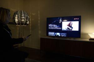 La televisión todavía domina en Estados Unidos pero los servicios de streaming son una seria amenaza, según Nielsen