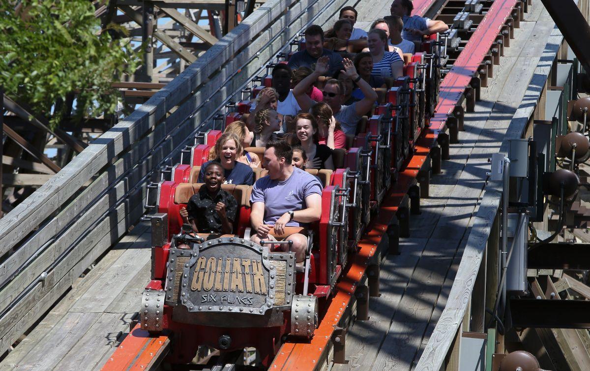 Six Flags pagará $36 millones de dólares por recolectar datos biométricos sin autorización, los visitantes podrían recibir hasta $200 dólares