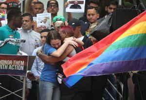 Biden condena el odio contra  la comunidad LGTBQ+ en aniversario del tiroteo de Pulse