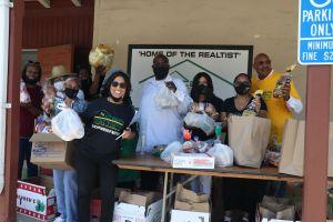 Organizaciones combaten la inseguridad alimenticia en el sur de Los Ángeles