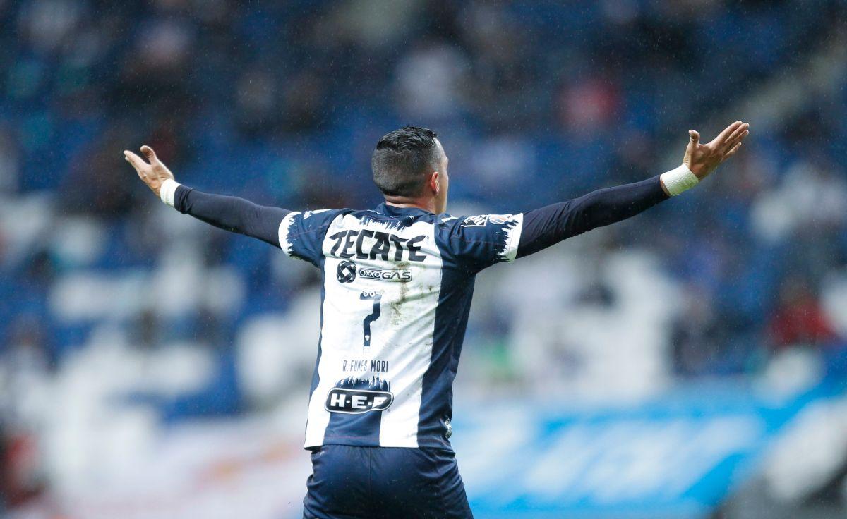 El futbolista está cerca de  cumplir con los trámites   que lo convierten oficialmente en ciudadano mexicano.