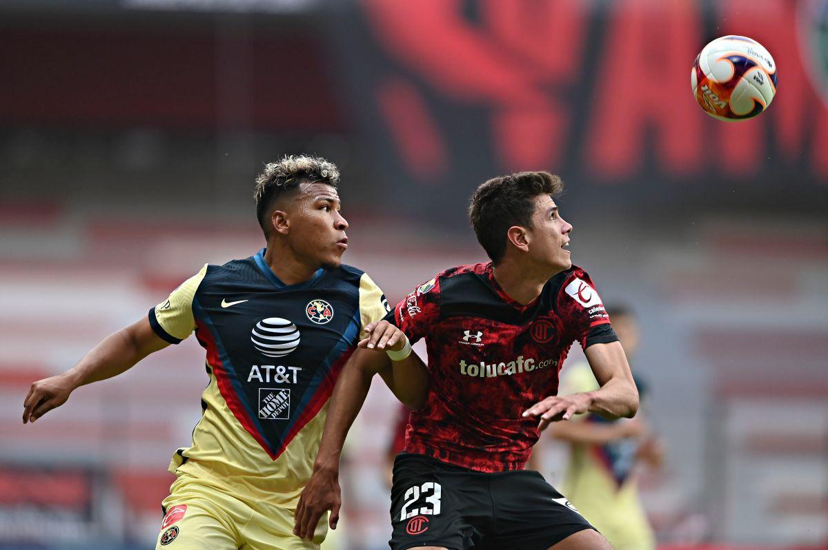 El central jugó la última temporada de la Liga MX vistiendo los colores del Toluca.