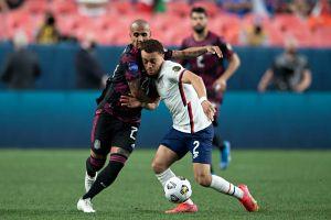 La jugada a lo Messi con la que Sergiño Dest le rompió los tobillos a Edson Álvarez