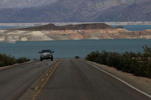 Posible corte de agua del río Colorado: el lago Mead en la presa Hoover alcanzará el nivel de agua más bajo en décadas