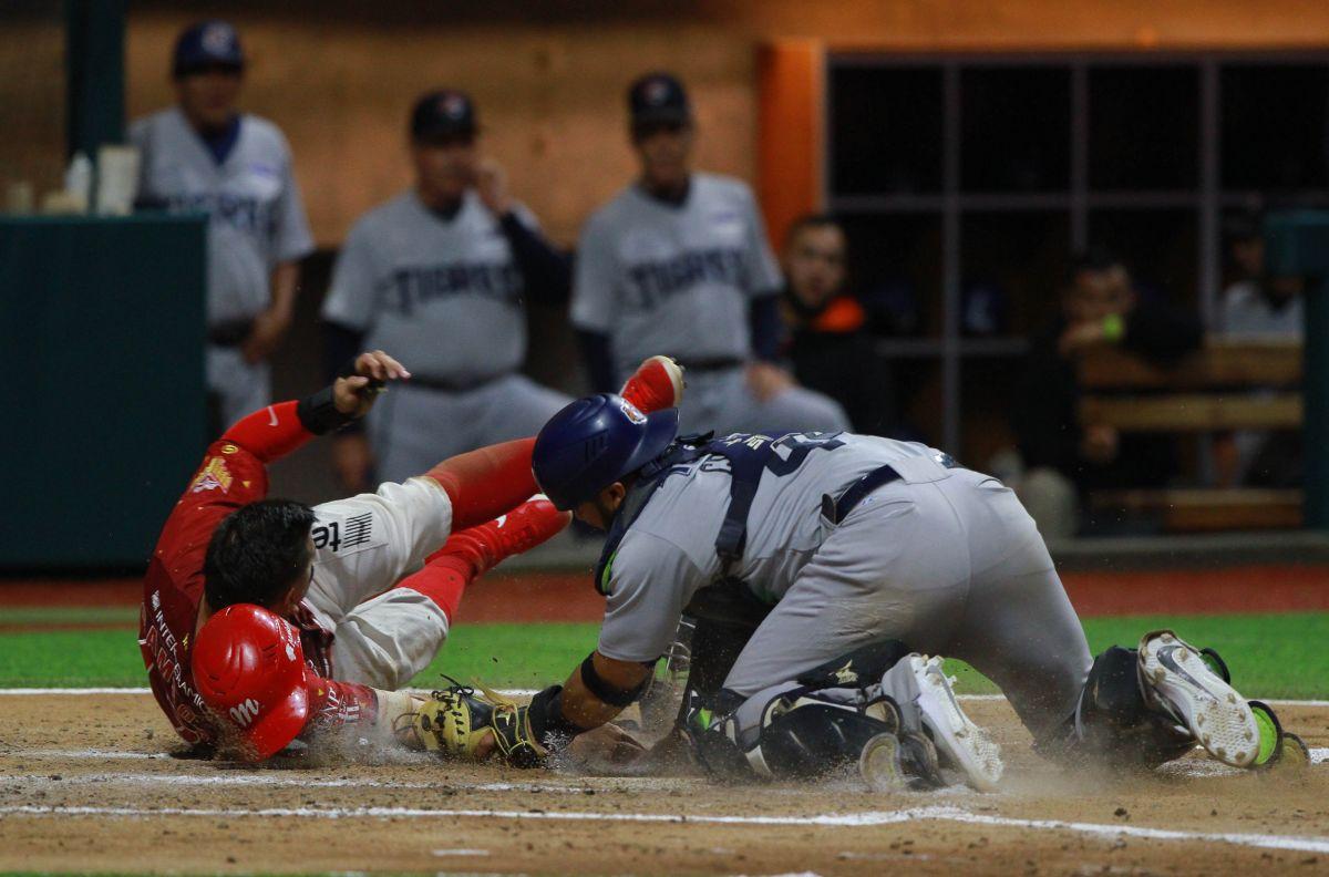 Bates como puños: batalla campal en la Liga Mexicana de Béisbol terminó con 10 sancionados [Video]