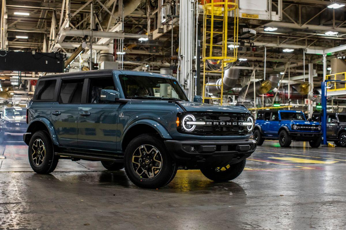 Foto lateral de la Ford Bronco 2021