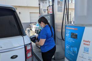 Inicia la reapertura y con ello los incrementos a la gasolina