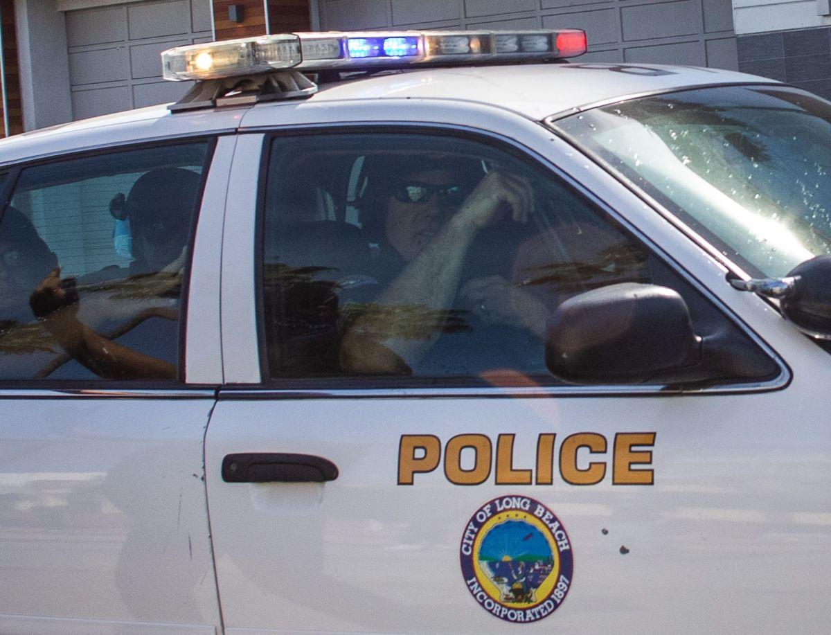 Arrestan a conductor sospechoso de atropellar y matar a hombre en silla de ruedas en Long Beach