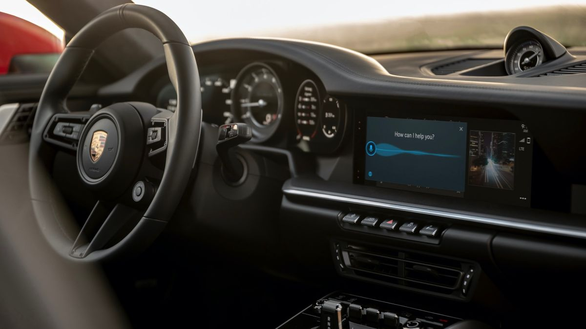 Porsche estrena sistema de infoentretenimiento que interactúa con la forma de conducir del usuario