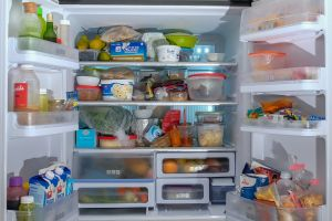 Intoxicaciones alimentarias: 8 alimentos que debes desechar de tu refrigerador para evitar enfermarte