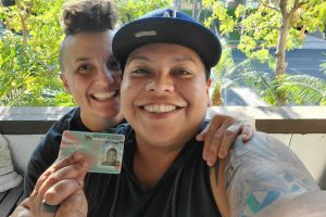 Inmigrante mexicana obtiene 'green card' por su pareja del mismo sexo