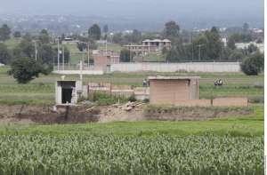 El socavón de Puebla se traga la casa contigua, sólo queda una habitación en pie