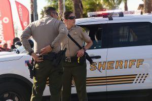 Muere agente hispano del sheriff de San Bernardino tras persecución que acabó a balazos