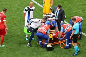 Descartan lesión de columna en jugador ruso que protagonizó brutal caída en juego contra Finlandia