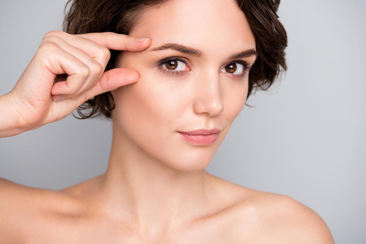 Los mejores productos para rejuvenecer y aclarar tu contorno de ojos