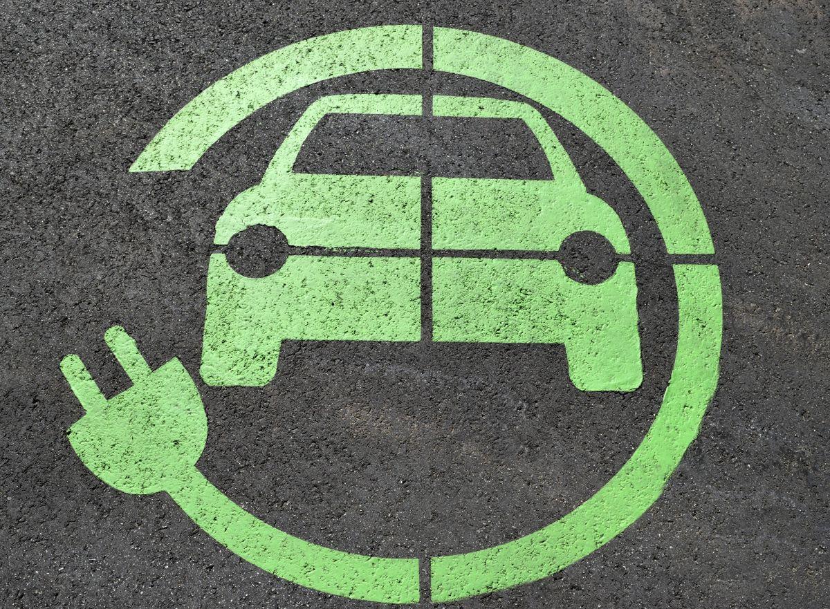Cómo obtener el crédito fiscal para la compra de vehículos eléctricos en Estados Unidos