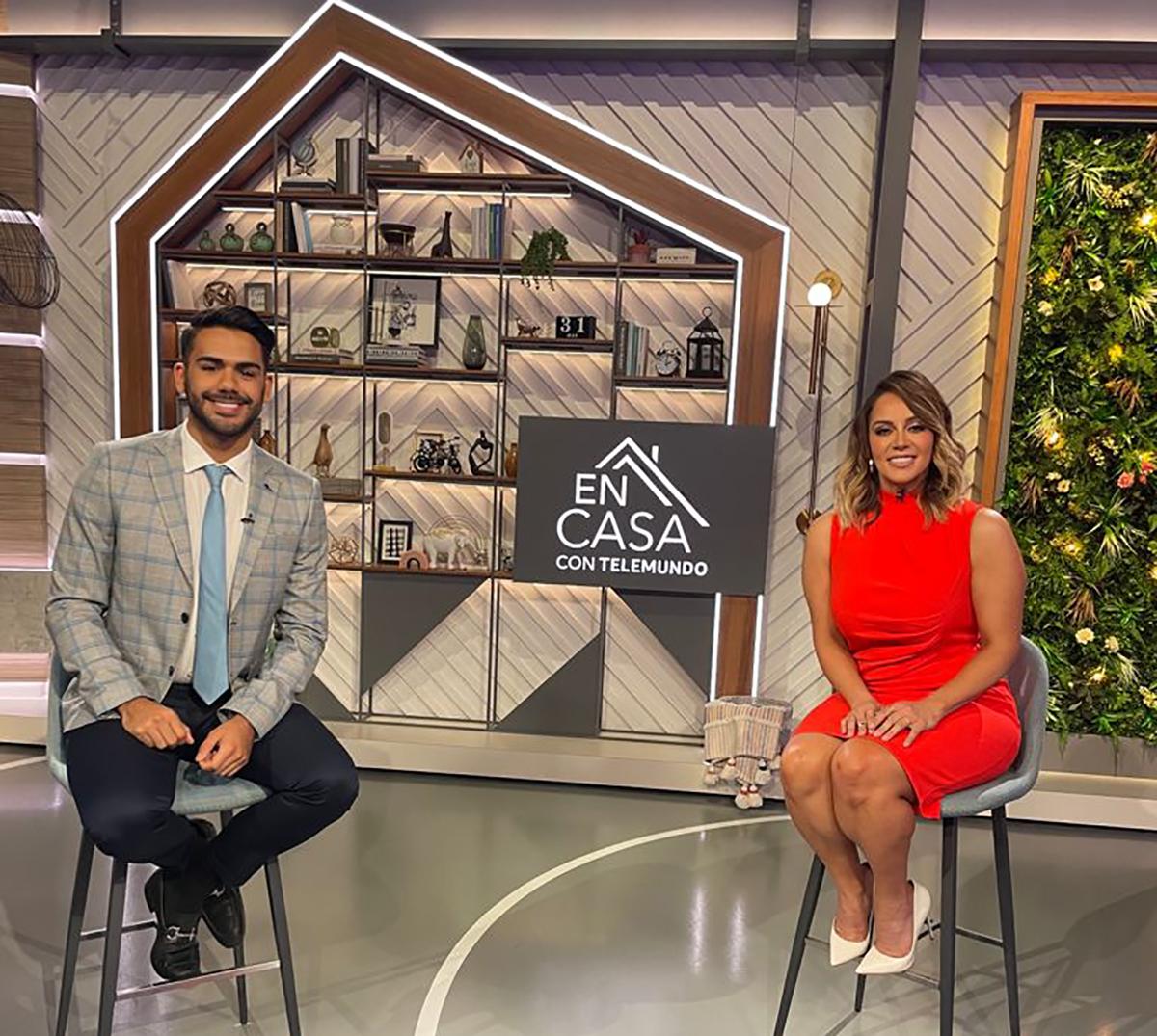 Rosie Rivera presentadora invitada de 'En Casa con Telemundo'