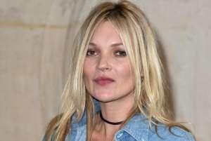 La modelo Kate Moss se reinventa como tatuadora