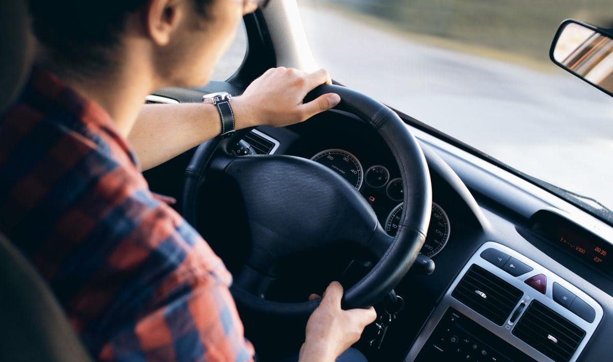 Paga menos por tu seguro de auto: los sitios web que te ayudan a conseguir la mejor tasa del mercado