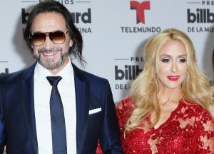 """Cristy Solís, la esposa de """"El Buki"""", se luce en leggings al prepararse para sus rutinas con pesas"""