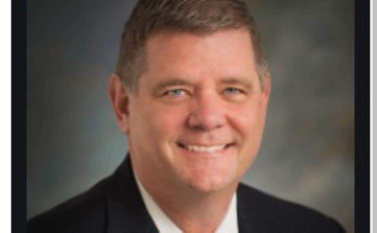 El administrador del Condado Galveston Mark Henry.