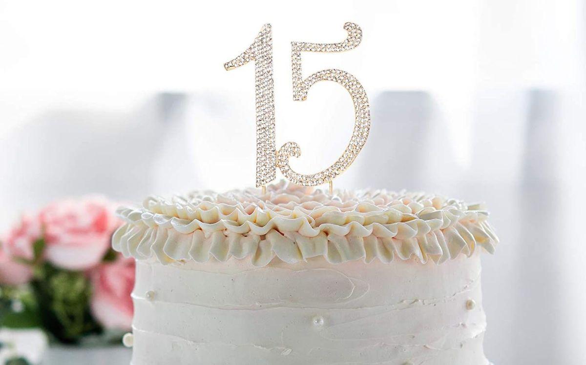 5 ideas para decorar tu pastel de quinceañera que consigues en Amazon