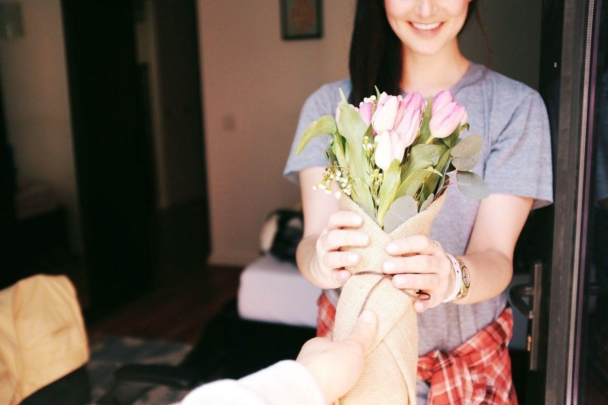 Las flores son un buen regalo de cumpleaños para este signo.