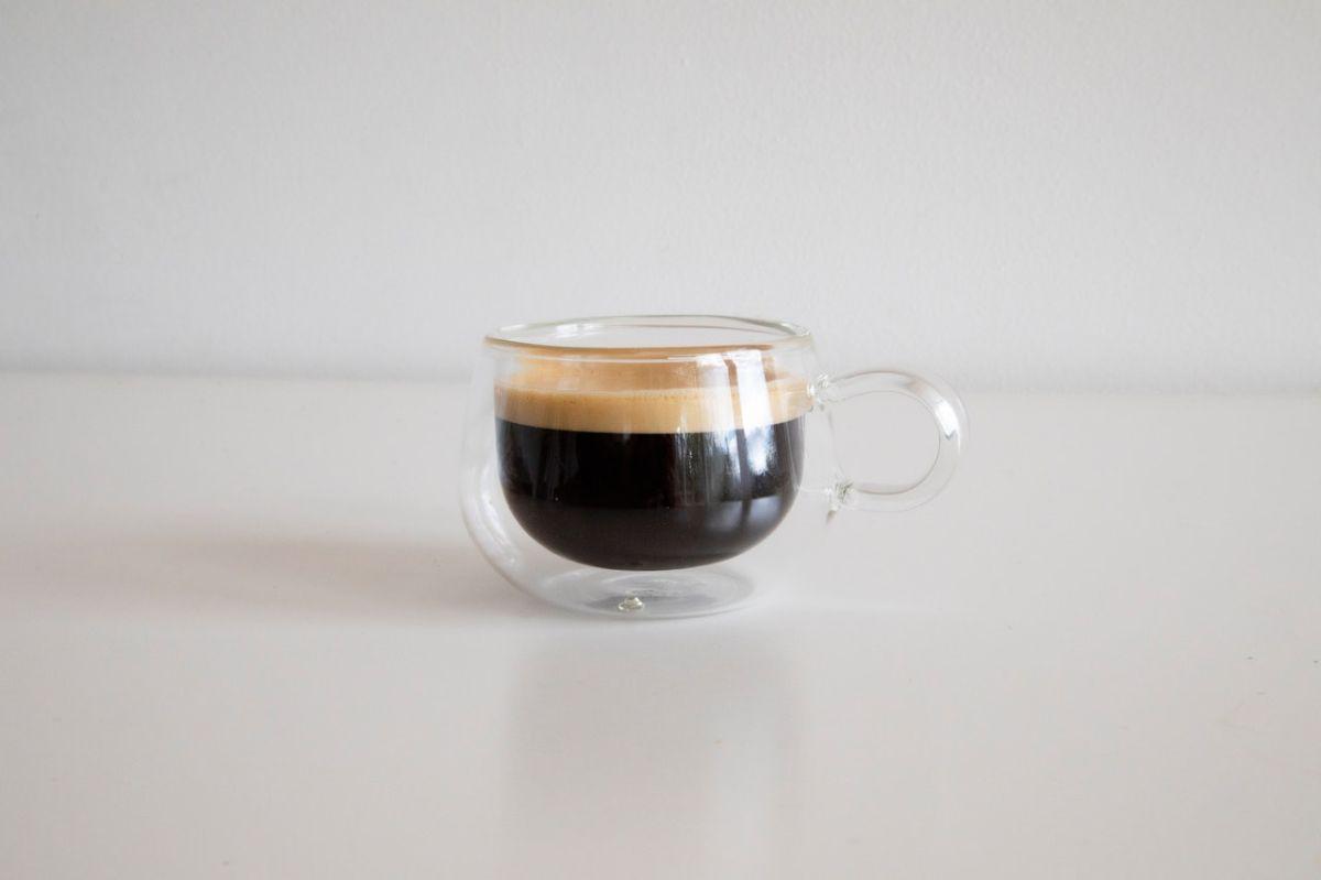 El café tiene efectos beneficiosos en el hígado independientemente si se prepara filtrado, instantáneo o expreso.