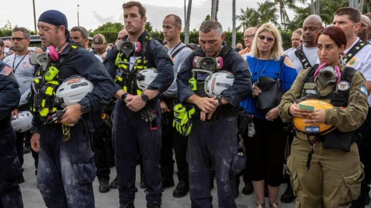 Los familiares de las víctimas y los rescatistas estaban visiblemente emocionados.