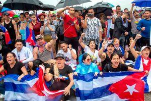 En imágenes el bloqueo de una autopista en Miami en solidaridad con las protestas en Cuba