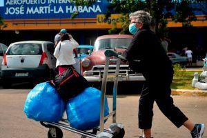 El gobierno de Cuba anuncia la eliminación temporal de las restricciones aduaneras a medicamentos y alimentos