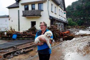 """Al menos 48 muertos y decenas de desaparecidos en las """"catastróficas"""" inundaciones en Alemania y Bélgica"""