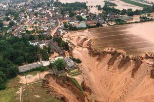 """Más de 180 muertos y cientos de desaparecidos en las """"catastróficas"""" inundaciones en Europa"""