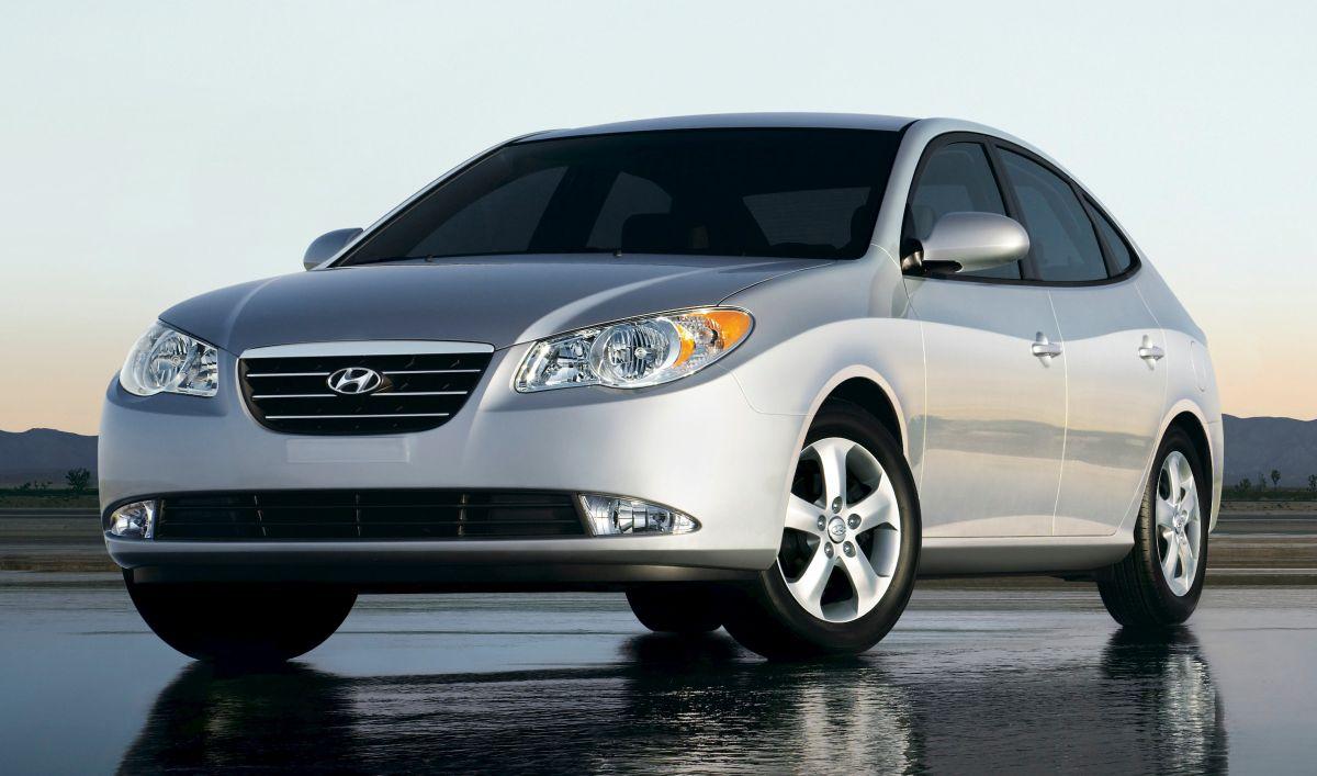 Foto del Hyundai Elantra 2009 en plateado