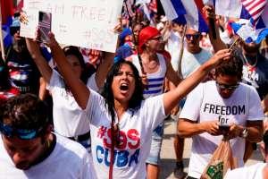 Gobierno de Biden impone nuevas sanciones a Cuba por la represión