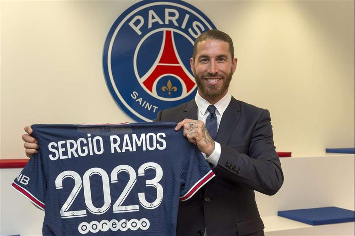 El defensor firmó con el PSG por dos temporadas.