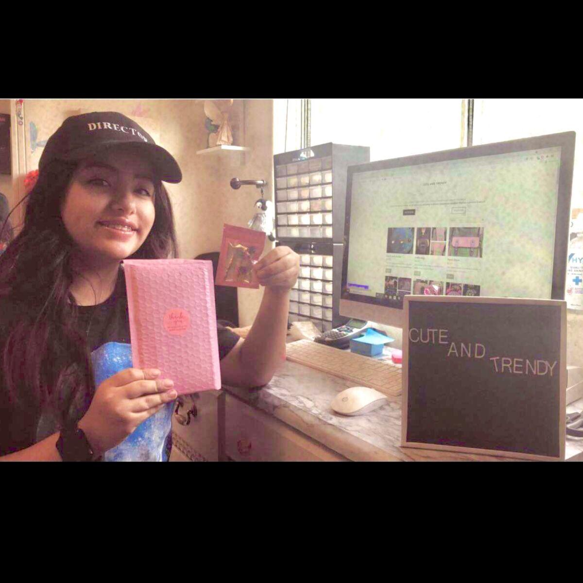 Emily Castañeda es quien se encarga de la promoción, venta envíos de Cute and Trendy.