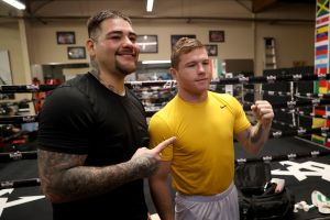 Canelo continúa sus clases: Saúl Álvarez le mostró a Andy Ruiz cómo pegar con fuerza más que con rapidez